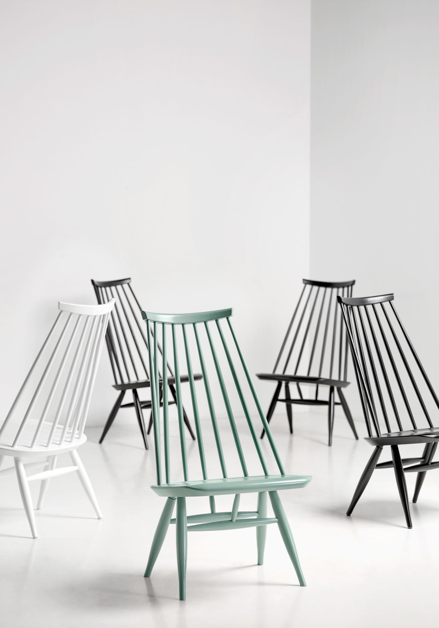 Artek_Mademoiselle_lounge_chair_black_sage_green