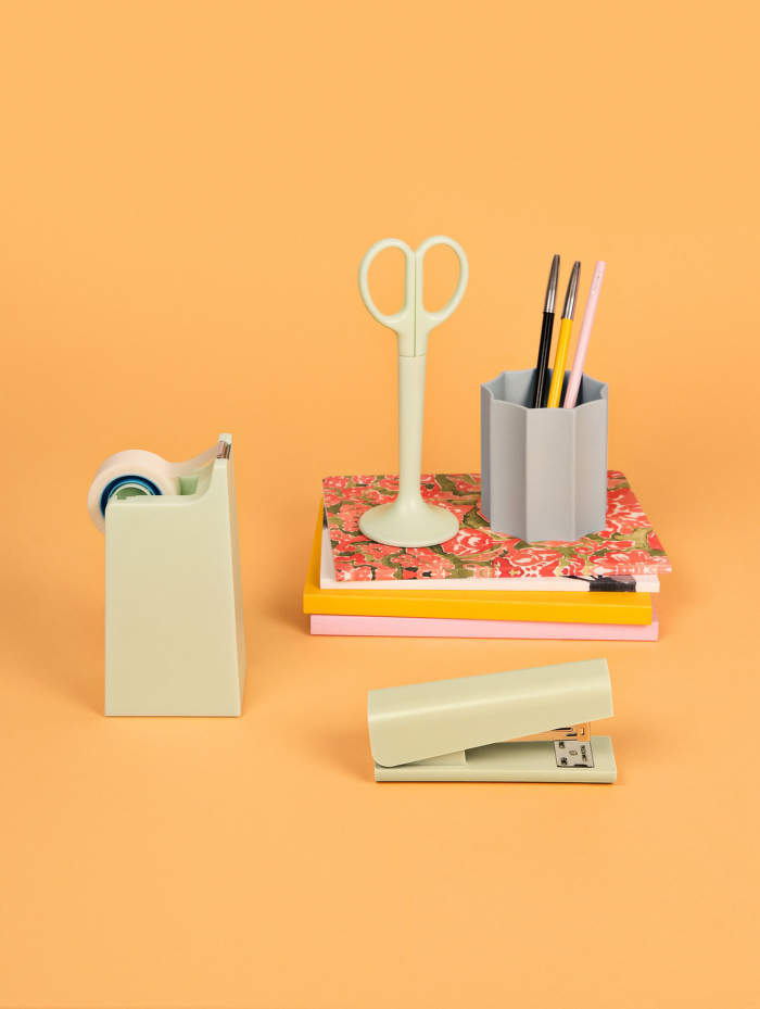 Anything_Iris-Penholder_Mono_Design-Miami-Notebook