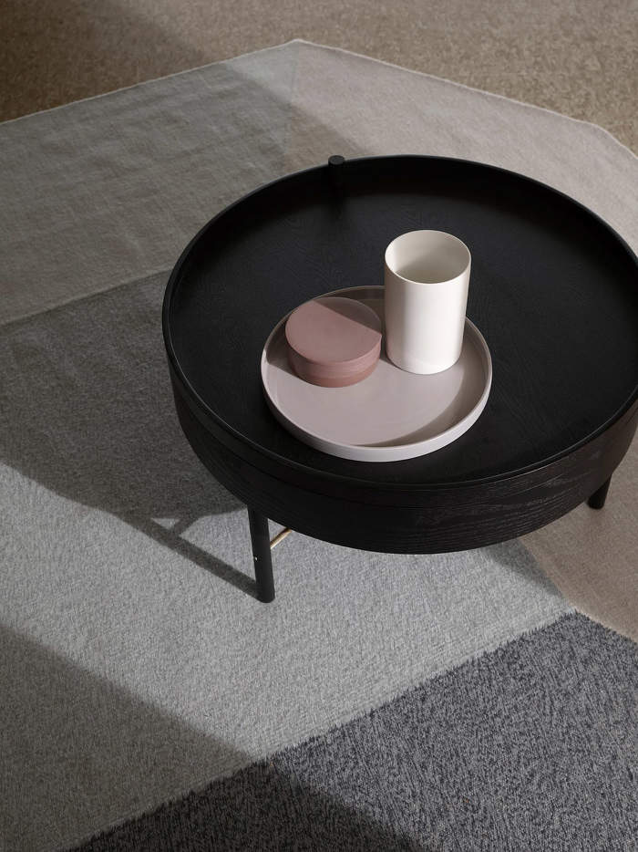Stolek Turning Table
